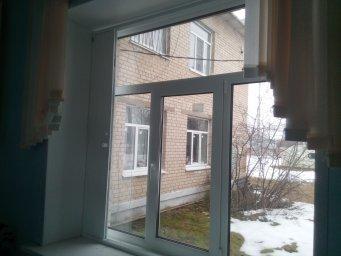 Раздвижная решетка на окно в собранном виде